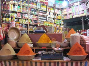 Government traders allowed to open shops from tomorrow till 5 pm  حکومت کی تاجروں کو کل سے شام 5 بجے تک دکانیں کھولنے کی اجازت a shop in empress market 300x225